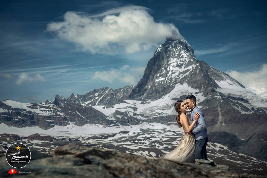 Grindelwald Couple