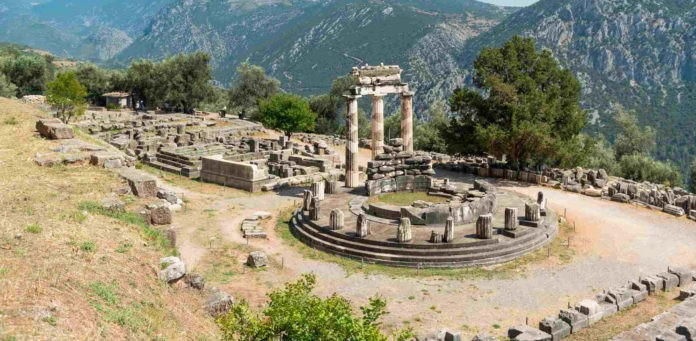 Featured- Temple of Apollo, Delphi, Greece